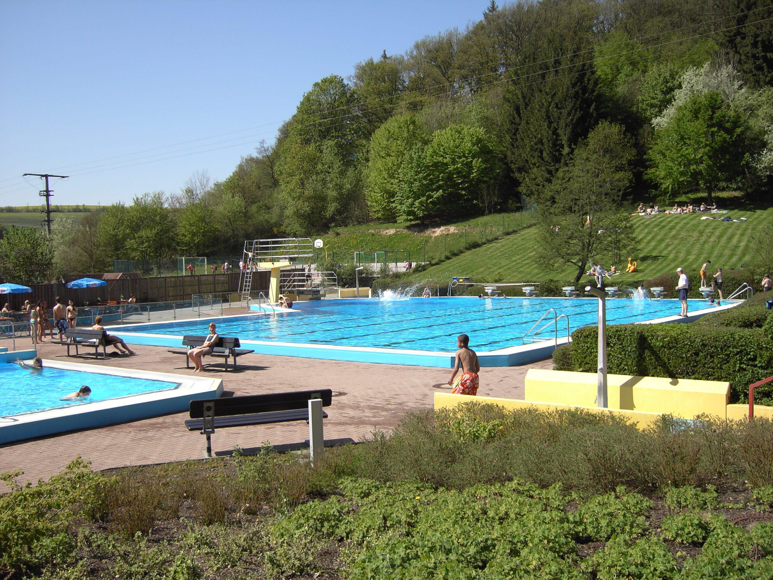 Freizeitbad Brohltal verlängert die Badesaison bis Sonntag, 30. August 2020